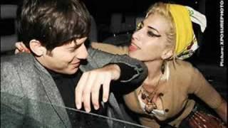 Mark Ronson Ft. Amy Winehouse - Valerie