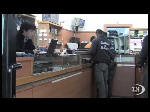 MILANO, CONTROLLI ANTI-EVASIONE DELLA GDF IN VIA SARPI -VIDEODOC