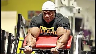 Get Massive Arms: Phil Heath's Bicep & Tricep Workout For Big Guns