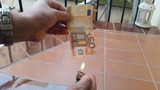 كيف تشعل النار في ورقة نقدية من دون أن تحترق