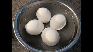 آموزش درست کردن تخم مرغ آب پز در سه سوت