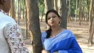 Rabindra Sangeet - Alak Roychoudhury sings with Swagata Das Basak (Must See!)