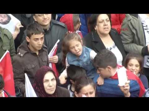 Kılıçdaroğlu'nu dinleyen küçük kız sosyal medyayı salladı!