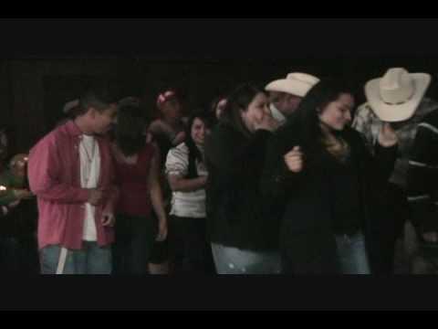 ASI BAILA LA RAZA DE EL TULE CON LOS PITUFOS EN AUSTIN TEXAS 14 MARZO 2009