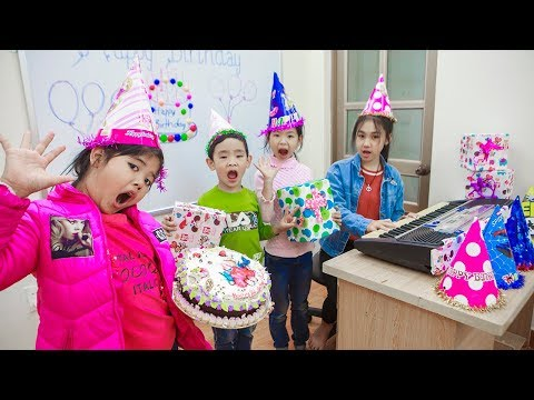 Xxx Mp4 Kids Go To School Teacher Chuns Go To Buy A Birthday Cake Give Students 3gp Sex