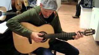 Adam Rafferty at Gitarrenfest Dresden 2014 plays Towet Fingerpicker 2014
