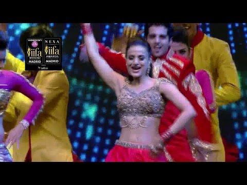 Xxx Mp4 IIFA Awards 2016 Ameesha Patel S Stunning Performance Watch Video Filmibeat 3gp Sex