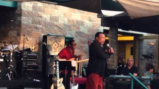 Never give up on a Good Thing - George Benson Concert