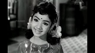 Sridevi - Brilliant performance as a Child Star