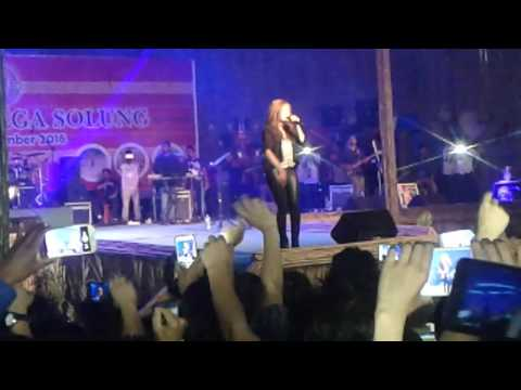 Monali Thakur best stage performance in pasighat