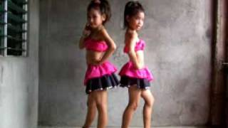 Womanizer  dance by cute gilrs (Crazybody)