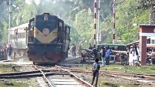 Bangladeshi Mail Train Benapol Commuter ( বেনাপোল কমুটার )