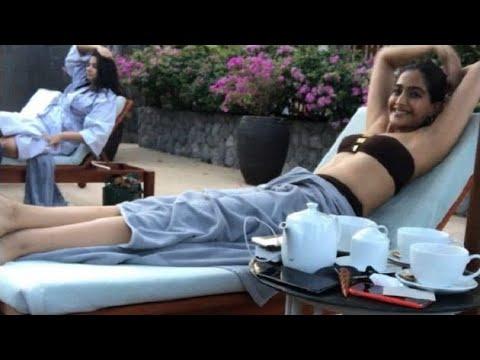 Xxx Mp4 Sonam Kapoor's BIKINI Photo Is Too Hot To Handle 3gp Sex