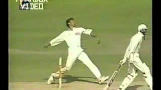Shoaib Akhtar  Unplayable Fast Bowling at Kolkata test 1999