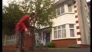 ChuckleVision   Series 3 Episode 1  Stand and Deliver