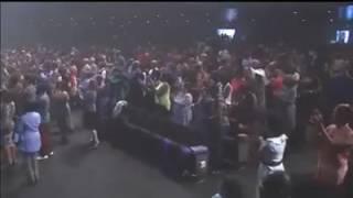 Tye Tribbett Singing Nigerian Songs!