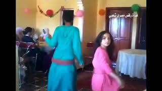 رقص منزلي شعبي رائع