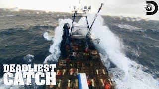 Jake Battles 20-Foot Frozen Seas | Deadliest Catch