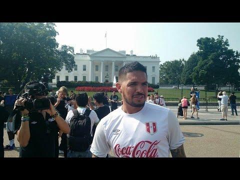 Loco Vargas hizo de las suyas frente a la Casa Blanca