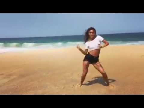 Xxx Mp4 बीच पर सेक्सी डांस करती लड़की का वीडियो वायरल 3gp Sex