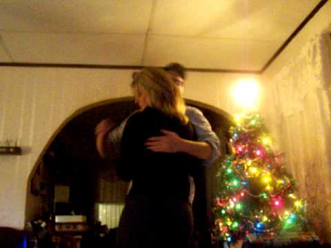 Son in Air Force surprises his mom for Christmas