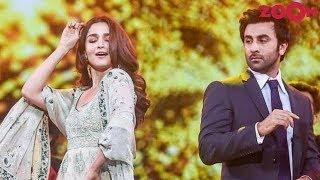 Ranbir Kapoor & Alia Bhatt to move in together? | Bollywood Gossip