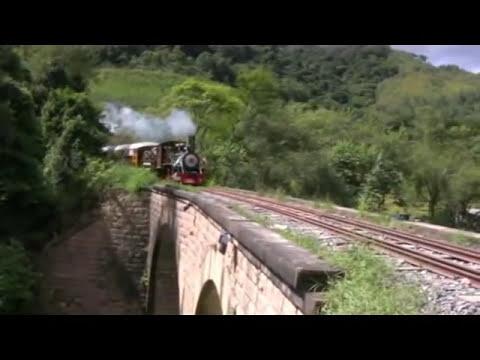 Locomotiva 232 funcionando e subindo a serra.