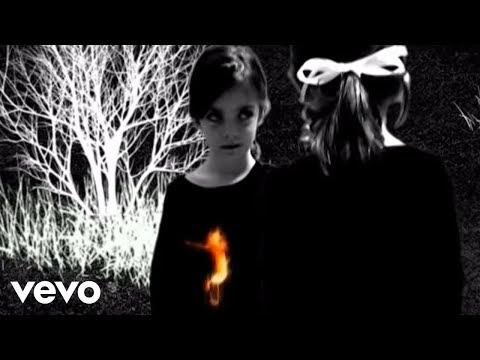 Queens Of The Stone Age - Burn The Witch