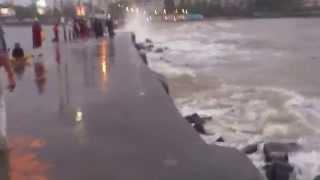 Monsoon Water Splash Haji Ali Dargah Walking Bridge