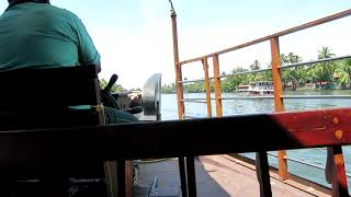 Cruising the Lagoons of Alleppey in a Houseboat - Alleppey, India