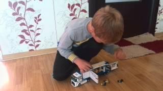 Andrei prezinta Lego