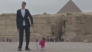 The world's tallest man and shortest woman make joint appearance at Pyramids
