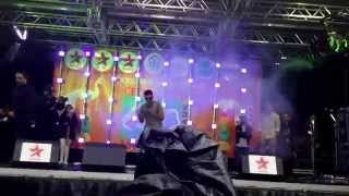 Zack knight performing to nakhre and dheere dheere