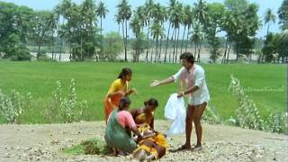 Mundhanai Muduchu - Bhagyaraj's Helping Nature
