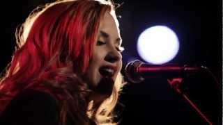 Demi Lovato - Give Your Heart A Break (Versão Piano)