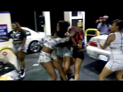 Girls fight at gas station after lil boosie concert in stockton