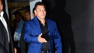 Salman Khan's FUNNY Entry At Colors Golden Petal Awards 2016 Red Carpet