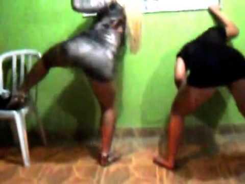 3 Gostosas dançando Funk