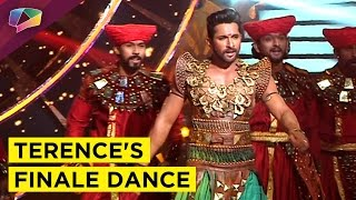 Terence Lewis gyrate for the grand finale of So You Think You Can Dance-India