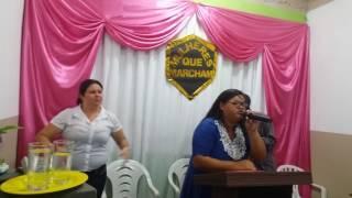 Cantora Esther Bernardo em monte das gameleiras
