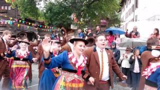 Prestation de l'Arc-En-Ciel lors de la fête cantonale des costumes le 9 août 2015 à Evolène