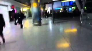 مهناز افشار در فرودگاه لندن