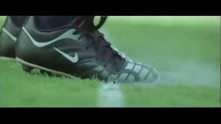 shah rukh khan Playing Footbal Kabhi Alvida Naa Kehna l@iamsrk