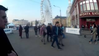 Андреевский Спуск. Кришнаиты Поют и Танцуют на Контрактовой Площади в Киеве