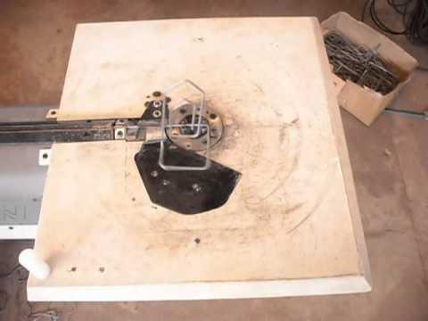 Dobradeira de arame 3D processa múltiplas formas