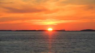 The sun that never sets - timelapse of sunset in norway july (Plenityd - Svolvær by night)