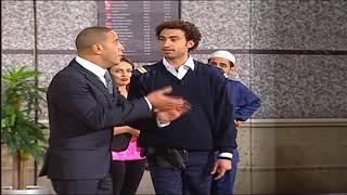 على ربيع  بيألف أى كلام أمام أشرف عبد الباقى وسط تصفيق الجمهور ... 😂😂 #تياترو_مصر