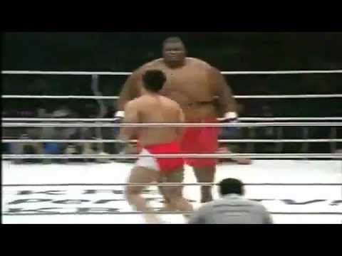 Vale Todo Pelea Sumo David 76 Kg VS Goliat 257 Kg. JAPON LA MEJOR PELEA DEL MUNDO 2012