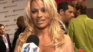 Pamela Anderson And Rick Solomon Honeymoon In Las Vegas