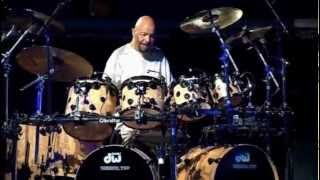 Phil Collins - Drums, Drums & More Drumsu